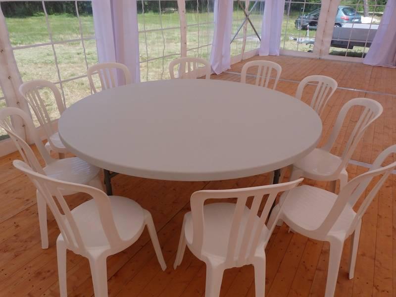Location de table ronde pour mariage et v nements louer for Location table ronde 85